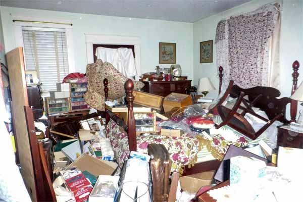Boston area home improvement ideas include de-cluttering the house in preparation for selling it.